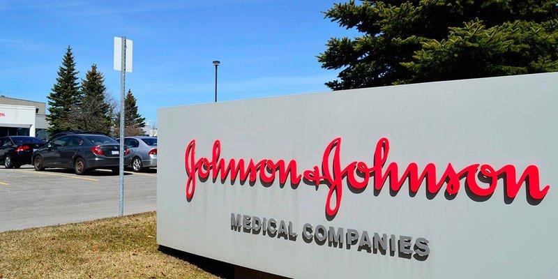 Johnson & Johnson obtuvo autorización para fase 3 de vacuna en menores de 18 años, no CanSino: SRE