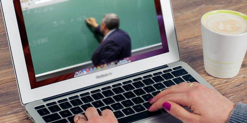 Jueza otorga suspensión provisional para que Secundaria en CDMX siga con clases en línea