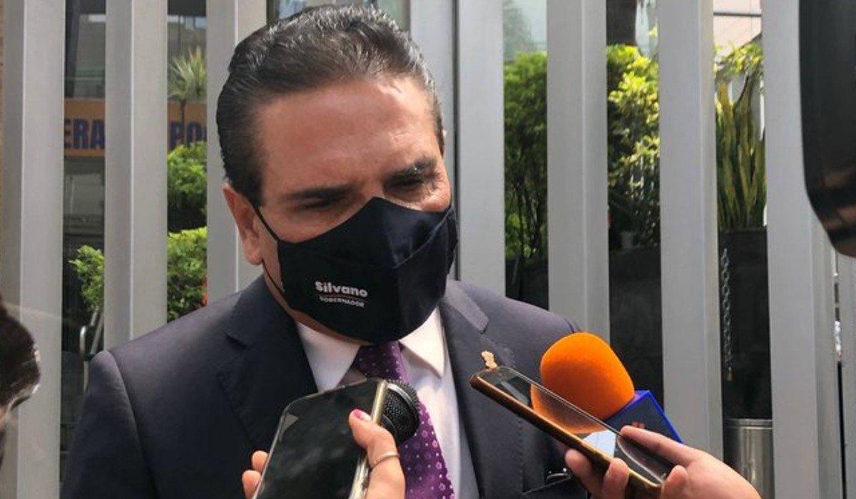 Silvano Aureoles interpone queja contra AMLO en CNDH por negarse a concederle una audiencia