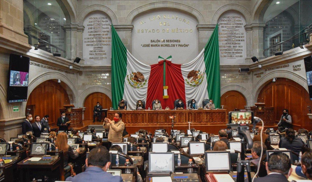 Alianza PRI-PAN-PRD se unió para quitar a Morena comisiones en Congreso de Edomex
