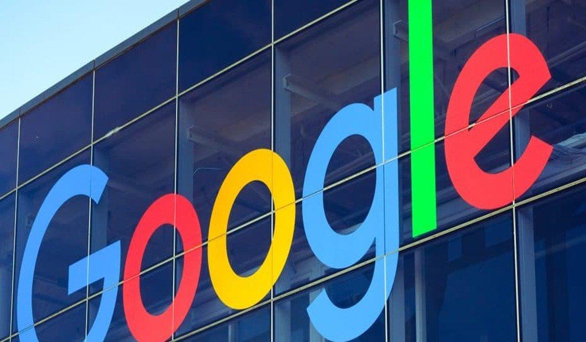 Guardias detienen a gerente afroamericano de Google; no creían que fuera empleado de la empresa
