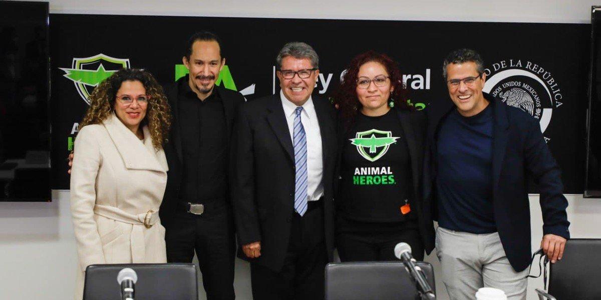 Ricardo Monreal y Marco Antonio Regil impulsan iniciativa para expedir Ley General de Bienestar Animal