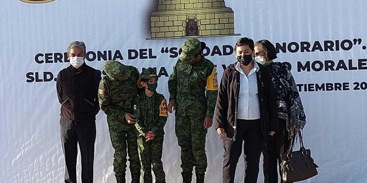 Ejército mexicano nombra Soldado Honorario a Hania, niña de 8 años