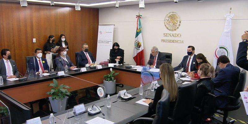 Subsecretaria de Hacienda entregó el Paquete Económico 2022 al Senado
