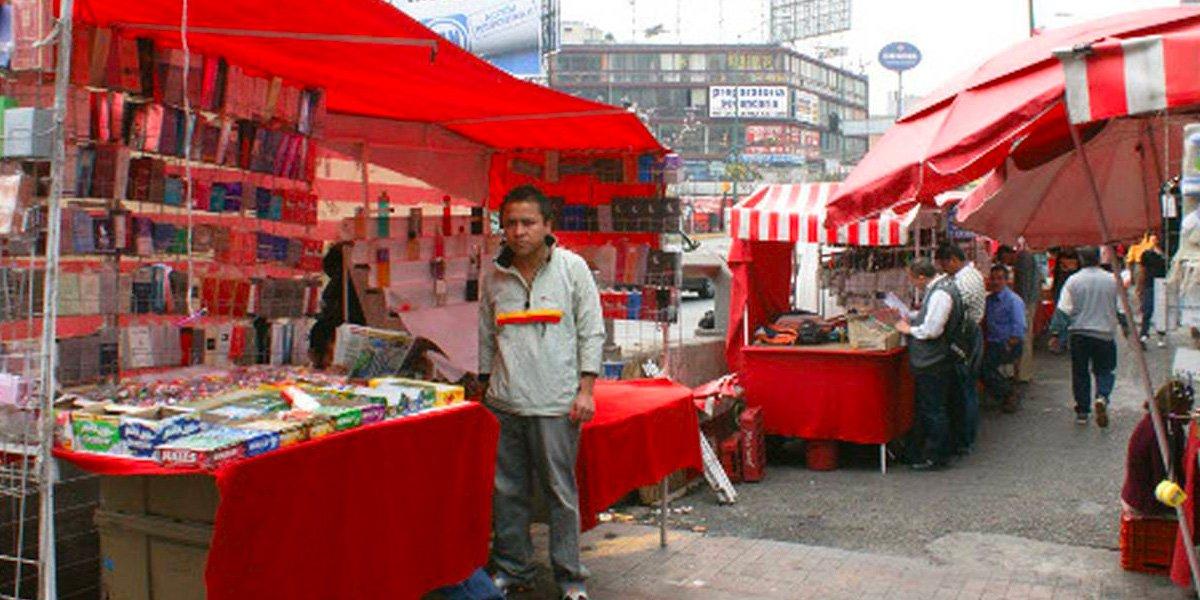 Senadora de Morena propone prohibir el comercio informal; retirarían mercancía a vendedores ambulantes