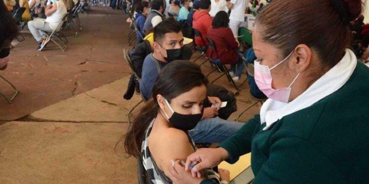 Edomex comenzará vacunación a menores de 12 a 17 con alguna comorbilidad en noviembre