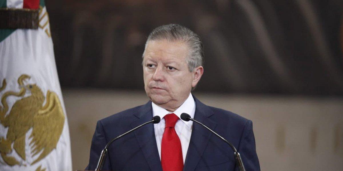 Arturo Zaldívar propone que SCJN otorgue licencias de paternidad por 3 meses