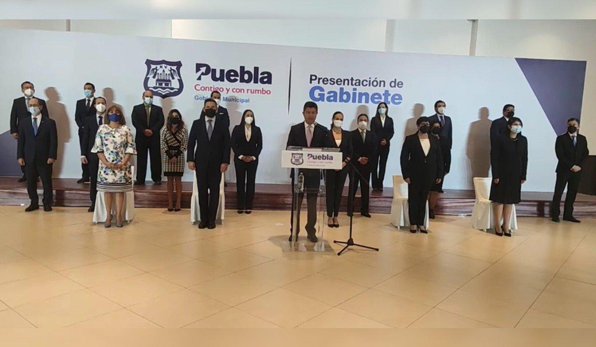 Eduardo Rivera da a conocer a integrantes de su gabinete en la capital de Puebla