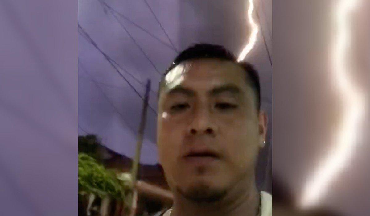 Hombre capta momento en el que casi le cae un rayo en Quintana Roo