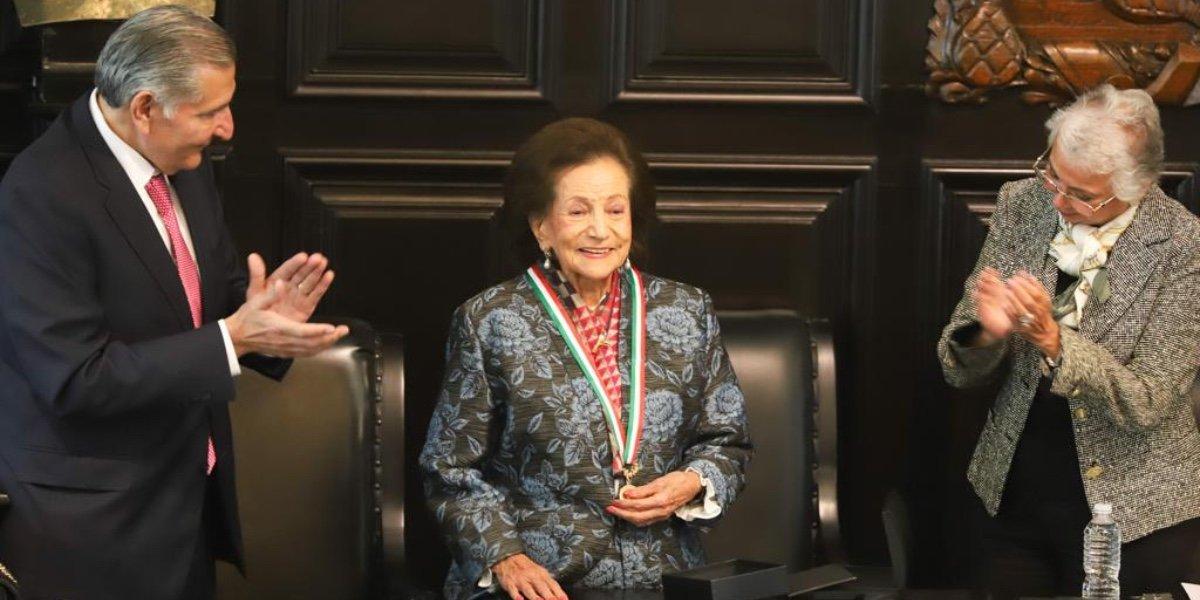 Senado reconoce con Medalla Belisario Domínguez a Ifigenia Martínez y Manuel Velasco-Suárez