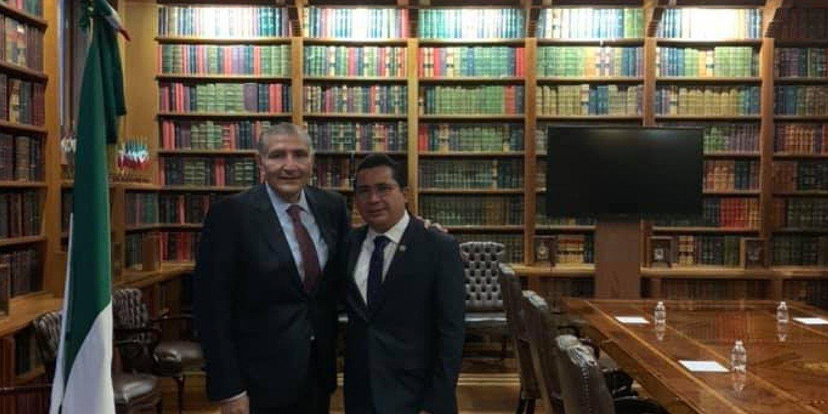 Mario Llergo se perfila para ser representante de Morena ante el INE