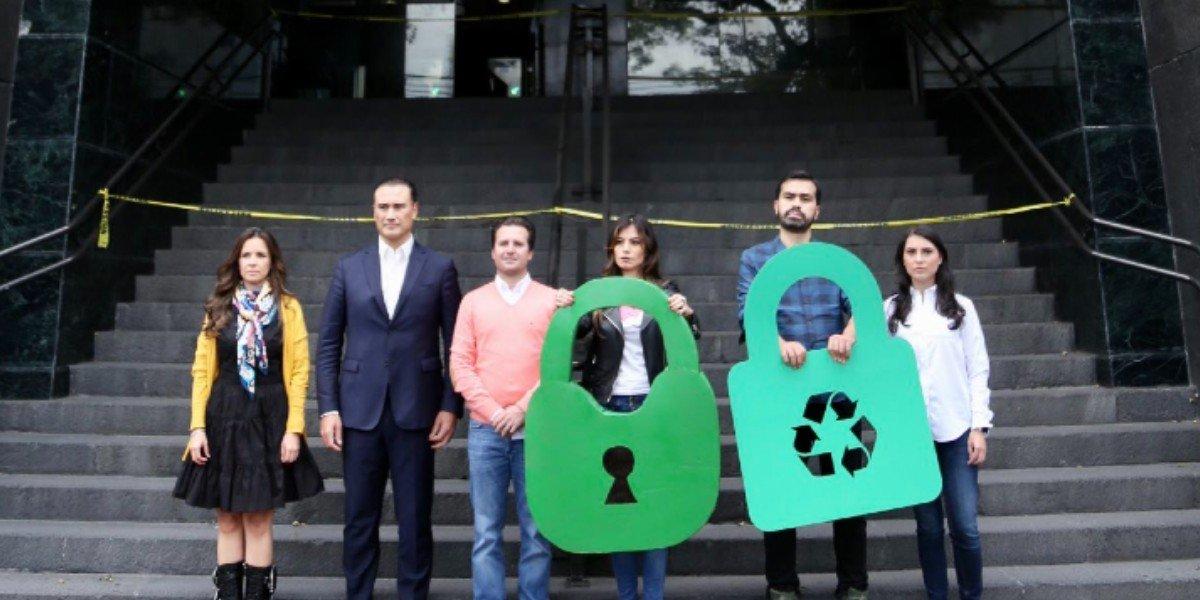 MC realizó clausura simbólica de instalaciones de CFE por reforma 'tóxica'' de AMLO