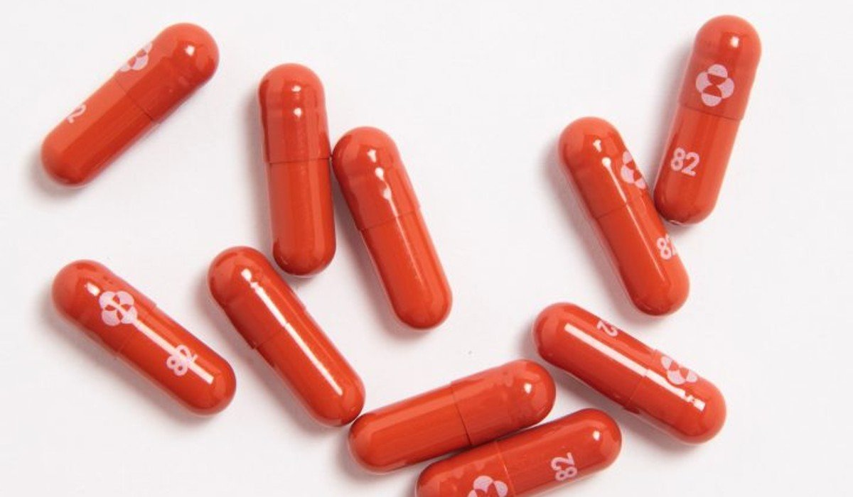 Merck pide a la FDA autorización en EUA para píldora antiviral que reduce muertes por COVID-19