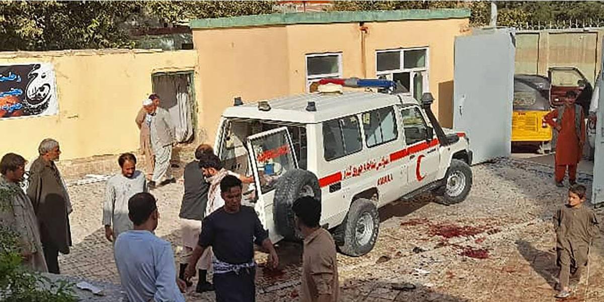 Se registra explosión en mezquita de Afganistán; suman al menos 100 heridos y 50 muertos