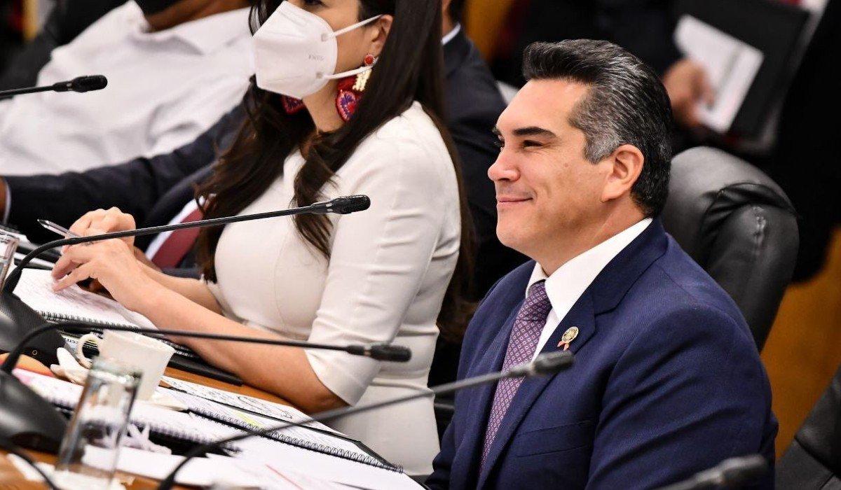Alejandro Moreno descarta que 20 legisladores del PRI renuncien por la Reforma Eléctrica
