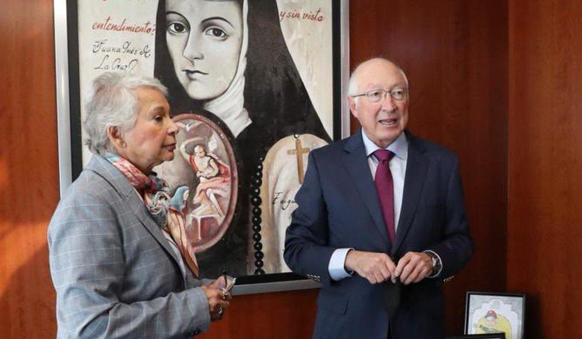 Embajador de EUA en México acude al Senado, se reúne con Sánchez Cordero y Ricardo Monreal