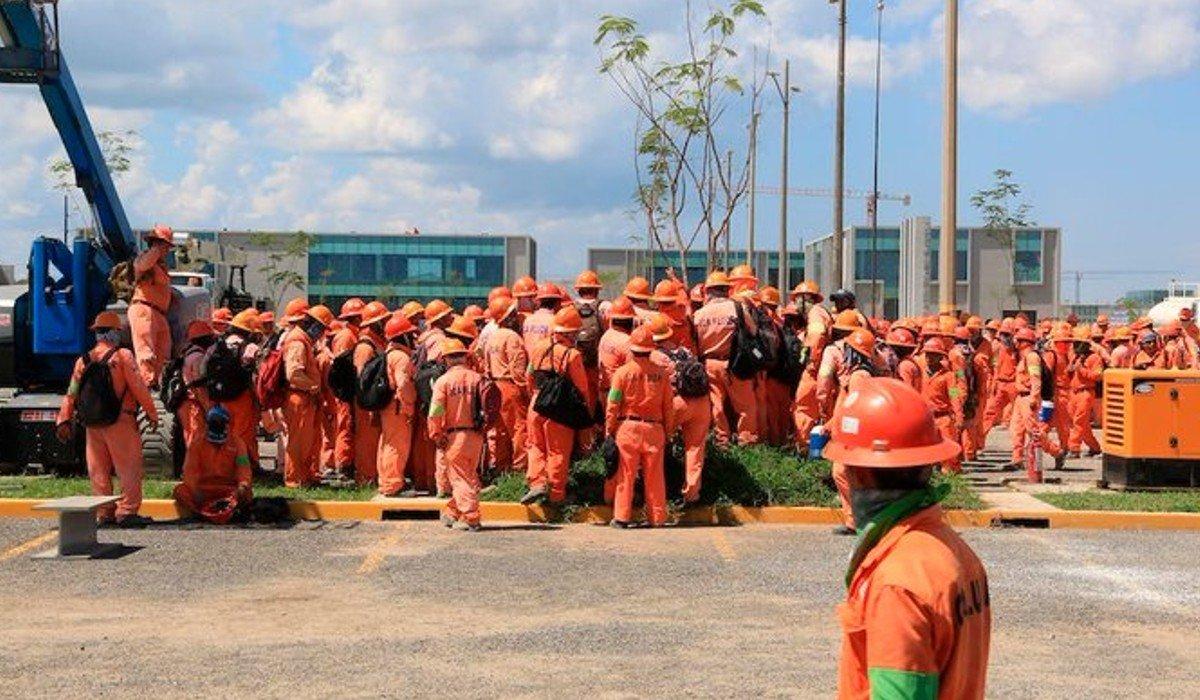 Detienen a tres presuntos responsables de los daños a la refinería de Dos Bocas