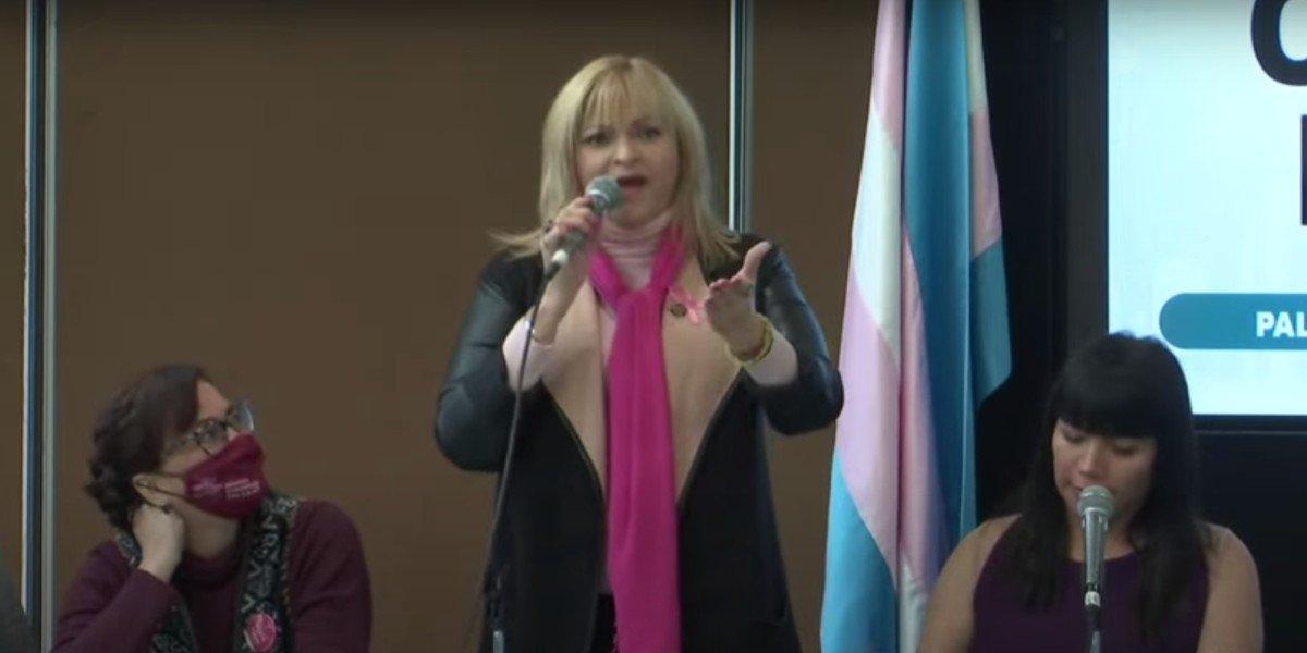 Rocío Banquells canta 'Luna Mágica' en instalación de la Comisión de Diversidad en San Lázaro