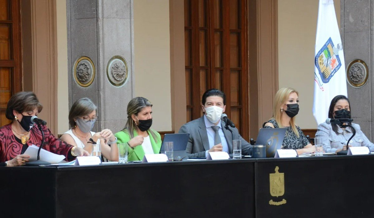 Presenta Samuel García a los integrantes del Gabinete de Igualdad para Nuevo León