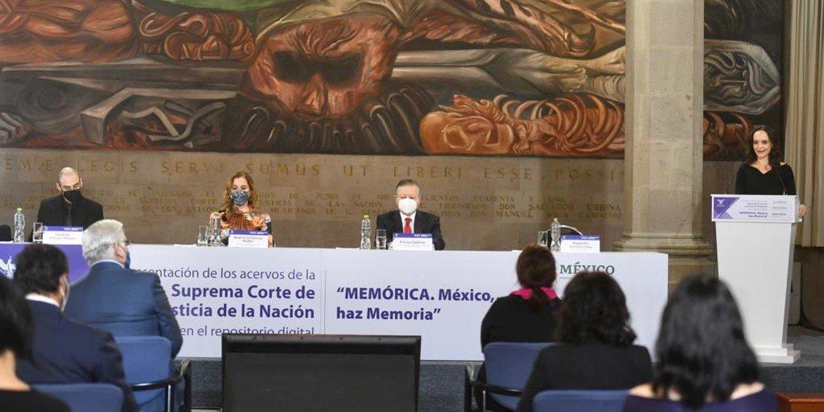 Zaldívar, acompañado de Gutiérrez Müller, pone a disposición acervos de la SCJN en repositorio digital