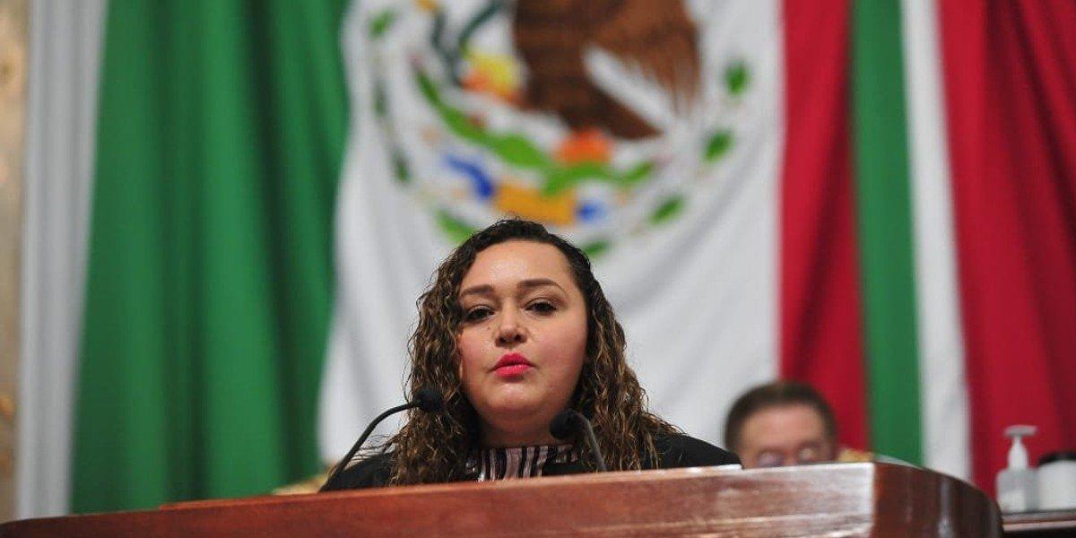 Morena busca eliminar el delito de aborto del Código Penal de CDMX