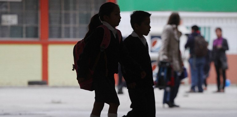Niño de 8 años escribe nota después de romper con su novia: 'Tu corazón es de color negro'
