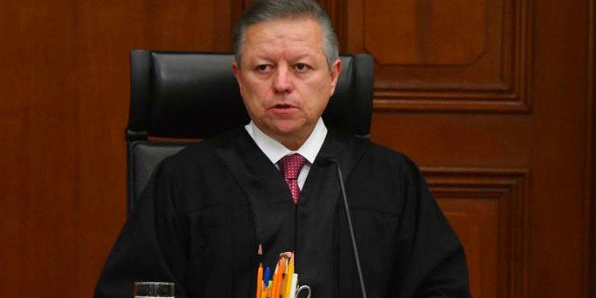 Zaldívar toma protesta de 45 nuevos jueces; pide blindar justicia laboral de calidad
