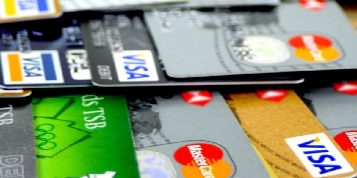 Tianguis y mercados de CDMX aceptarán tarjetas de crédito y débito