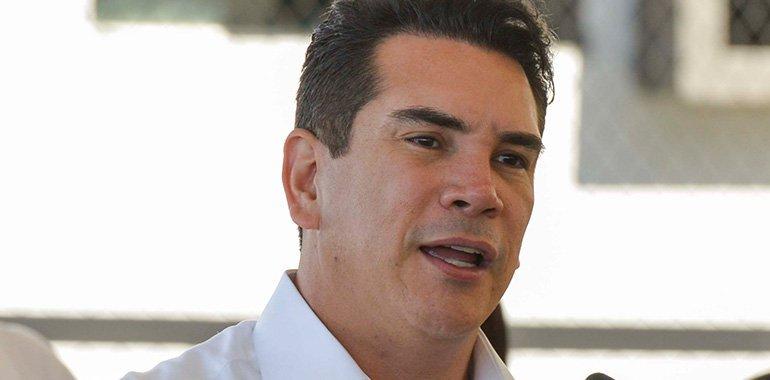 Alito descarta que dichos de Ruiz Massieu sobre reforma eléctrica refleje postura del PRI en el Senado