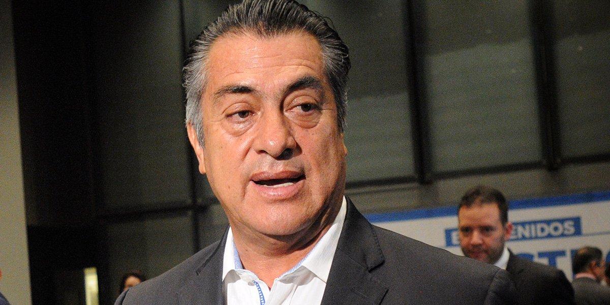 Samuel García denuncia red de sobornos a casinos y restaurantes durante mandato del Bronco