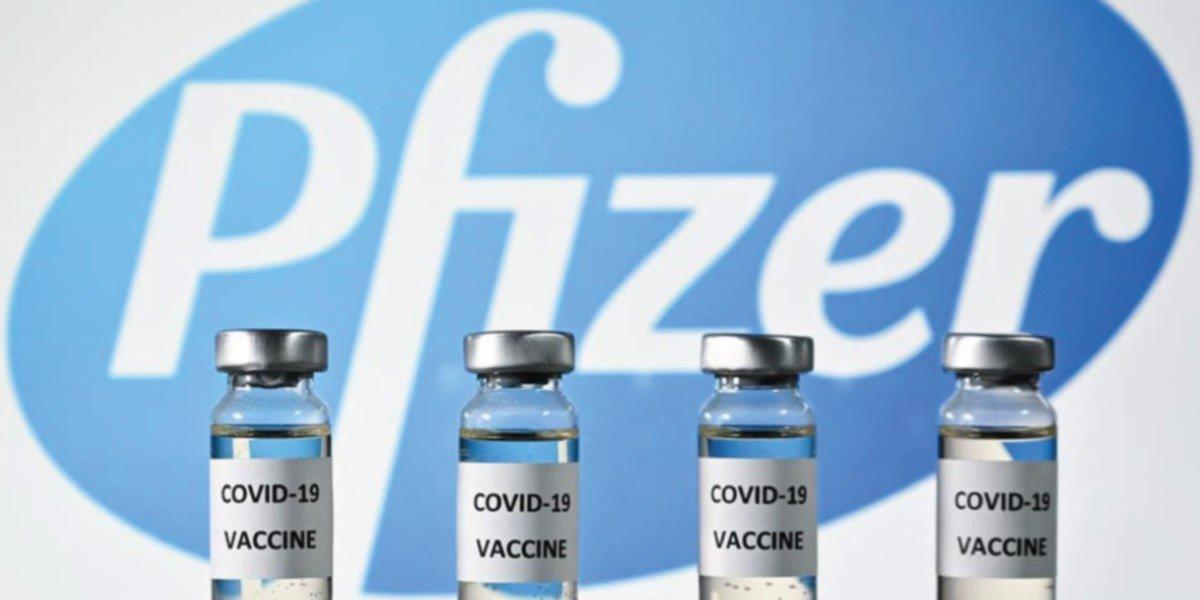 Pfizer prevé que con las vacunas en un año se vuelva a la 'vida normal'