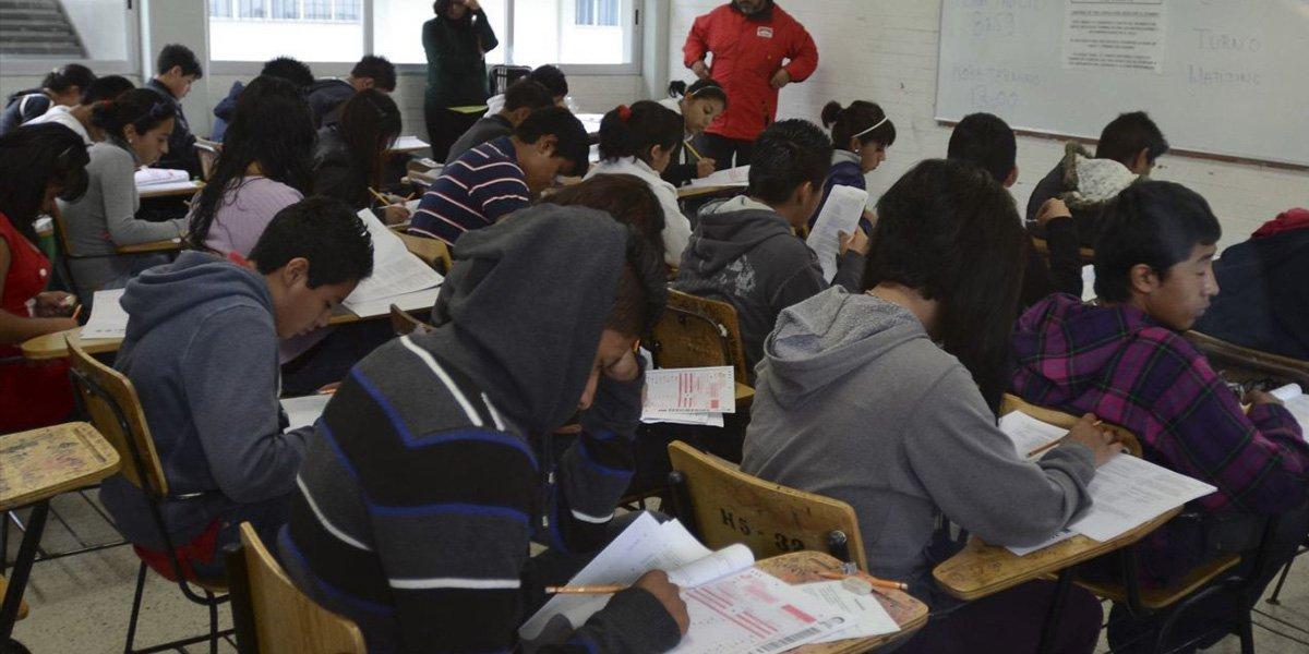 Ramírez Bedolla adelanta calendario de regreso a clases en Michoacán de nivel básico a superior