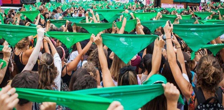 Marcha por el Día del Aborto en CDMX deja 37 personas heridas, 27 de ellas policías