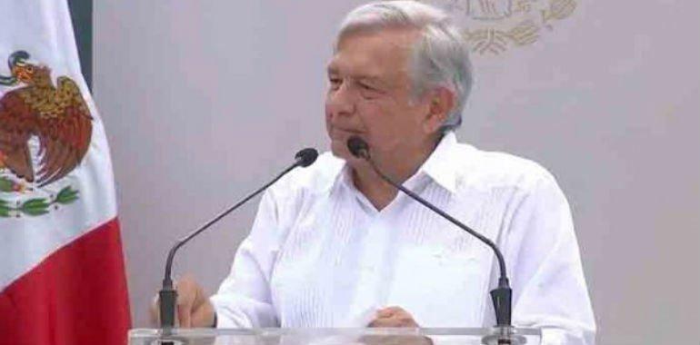 AMLO coincide con su esposa Beatriz Gutiérrez sobre erradicación del día de La Raza