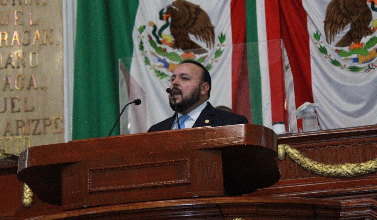 Diputado del PAN se disculpa tras reclamar al presidente de la Mesa Directiva en Congreso de CDMX